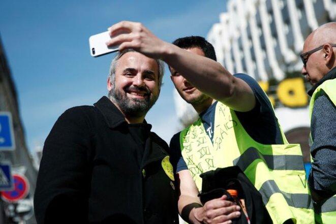 Alexis Corbière lors d'une manifestation des gilets jaunes le 6 avril 2019. © Reuters