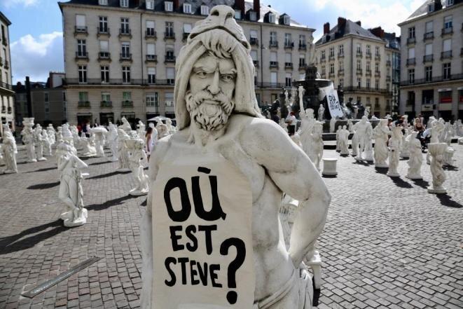 Sur la place Royale à Nantes, le 21 juillet. © Elisa Perrigueur