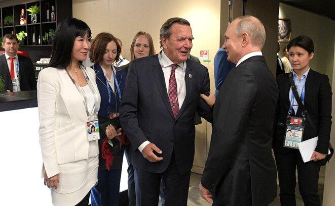Gerhard Schröder et Poutine © Wikepidea
