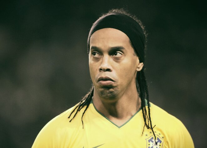 ronaldinho-l-ex-superstar-du-psg-et-du-fc-barcelone-ruine-et-endette-jusqu-au-cou
