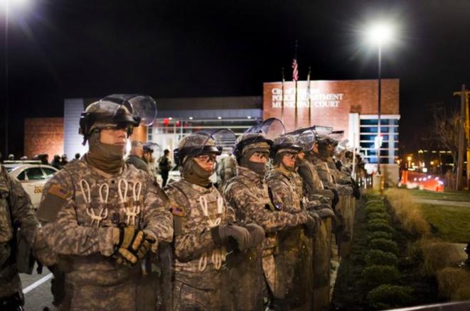 La garde nationale dépêchée à Ferguson, en novembre 2014. © Reuters
