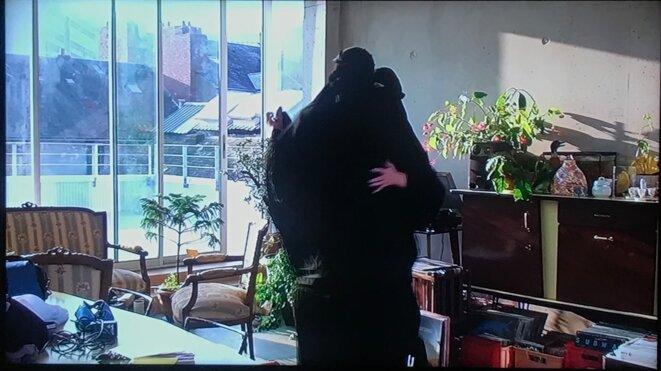 """Mehdi-Georges Lahlou (Les Sables d'Olonne, 1983 - ), """"J'ai habité cette rue ou t'es pas mal en niqab"""", 2013, vidéo, 8'52"""" © Mehdi-Georges Lahlou"""