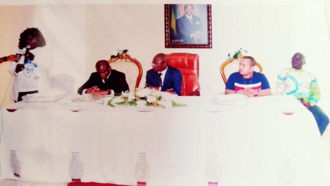 17 Août 2019 - Lancement des activités du R.M.C - Avec le  Maire du 1er Arrondissement, M. Jean Baptiste Obame Emane (au centre de la photo à droite), le Maire Adjoint (centre de la photo à gauche), M. Hughes Mboumba Nguema.jpg
