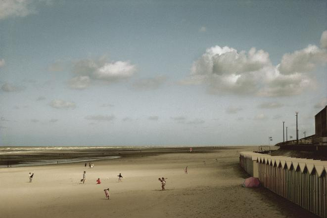 Harry Gruyaert, FRANCE. Baie de Somme. Fort Mahon. 1991 © Harry Gruyaert/Magnum Photos