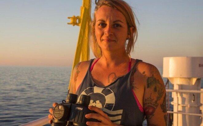 La navigatrice - humanitaire - allemande Pia Klemp - du Sea Watch - Le Parisien 20 août 2019 © E'M.C. Exequatur