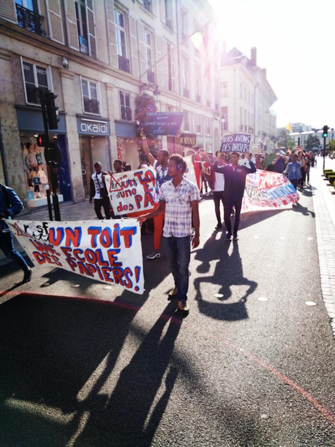 Manifestation des jeunes étranger·es isolé·es le 21 août, à Orléans © T. R.