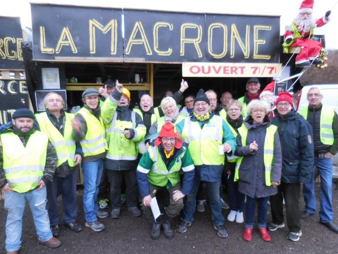 Yellow Vests gathering in December 2018, towards the beginning of the movement still current in August 2019, at Tonnerre (pop. 4000, Burgundy, France) © Marina Urquidi