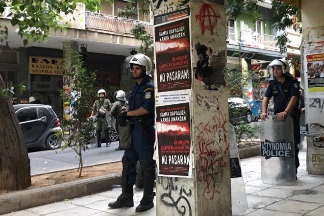 La police athénienne investit le quartier rebelle d'Exarchéia © Yannis Youlountas