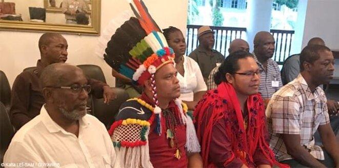 Élus du Grand Conseil Coutumier de la Guyane. Crédit photo Guyaweb - Katia Lei-Sam.
