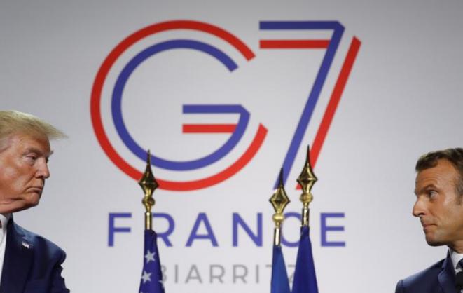 Donald Trump y Emmanuel Macron en Biarritz, el 26 de agosto de 2019. © Reuters