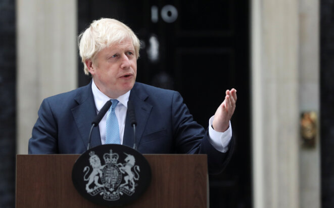 Boris Johnson, devant Downing Street, à Londres, le 2 septembre. © Reuters