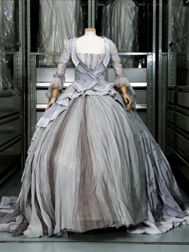 Robe Marie-Antoinette, Rochas par Olivier Theyskens © Éric Emo/Roger-Viollet