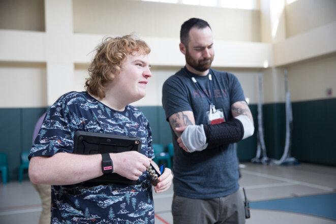Avertissement préalable : Les bracelets peuvent un jour aider les gens à prédire - et à prévenir - un comportement agressif chez une personne autiste avant qu'il ne se produise. © Erin Little