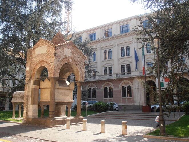 Padoue, Tomba di Antenore (XIIIe s.), monument en l'honneur d'un réfugié troyen.