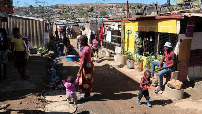 Afrique du Sud - habitants pauvres du bidonville Alexandra © Valérie Hirsch