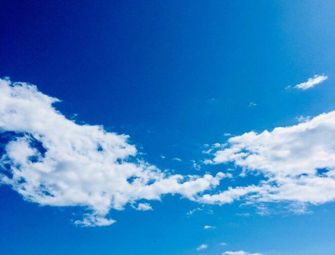 """iPhone KT """" Le même nuage déchiré 7 sept"""