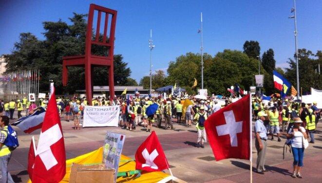 Genève -ONU: contre les violences et les mutilations par des armes de guerre des citoyens français. © L Thines