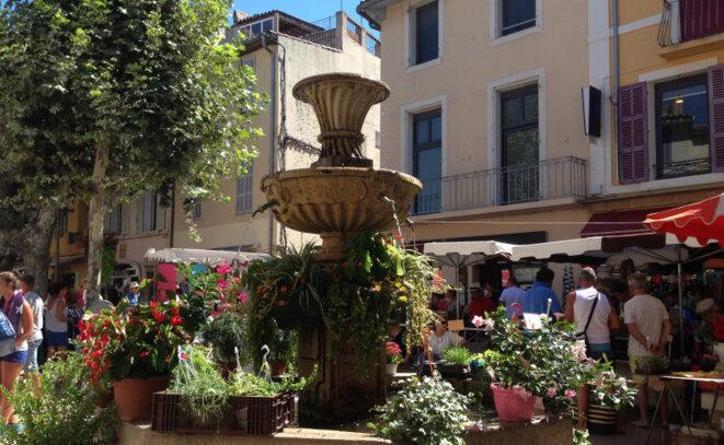 La Provence et ses beaux villages © Pierre Reynaud