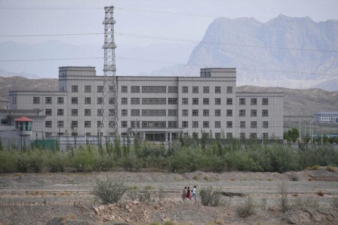Un établissement considéré comme un camp de rééducation où sont détenues principalement des minorités ethniques musulmanes, à Artux, au nord de Kashgar, dans la région du Xinjiang, dans l'ouest de la Chine