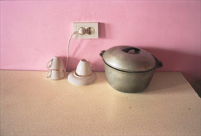 Olessia Venediktova, Untitled [Tableware against pink wall], 2015 © Olessia Venediktova