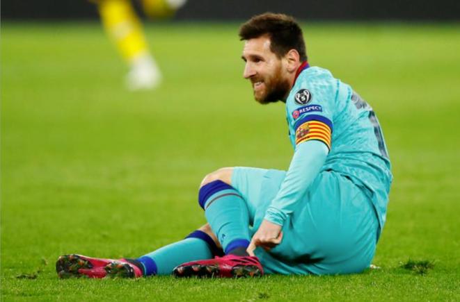 Lionel Messi sur la pelouse de Dortmund lors du match de poule de Ligue des Champions contre le Borussia le 17 septembre 2019. © Reuters