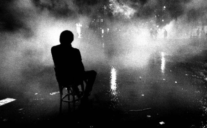 La nuit des barricades, Paris © Claude Dityvon