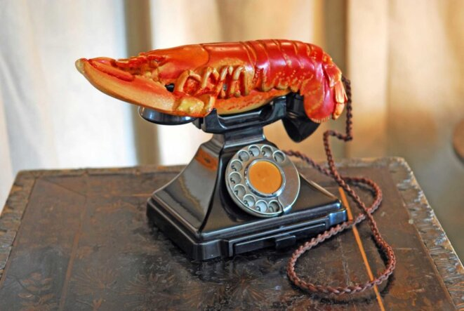 salvador-dali-lobster-telephone-1936-west-dean-college-part-of-the-edward-james-foundation-salvador-dali-fundacio-gala-salvador-dali-dacs-2017-1024x686
