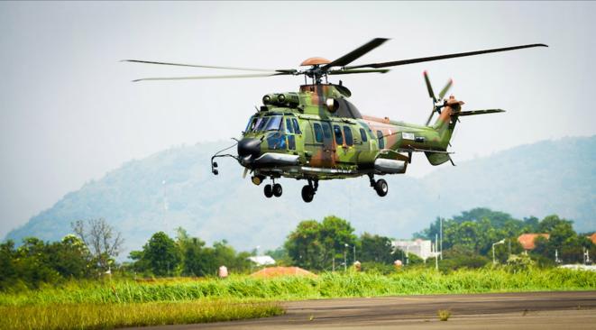 L'hélicoptère militaire armé de transport de troupes Airbus Helicopters (ex-Eurocopter) H225M, anciennement EC725 Super Cougar, peut transporter jusqu'à 29 soldats et deux pilotes. © Airbus