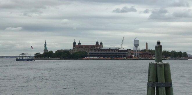Ellis Island, île devant Manhattan, à côté de la statue de la Liberté, par où les immigrants arrivant aux Etats-Unis ont transité de 1892 à 1954 [Photo YF]