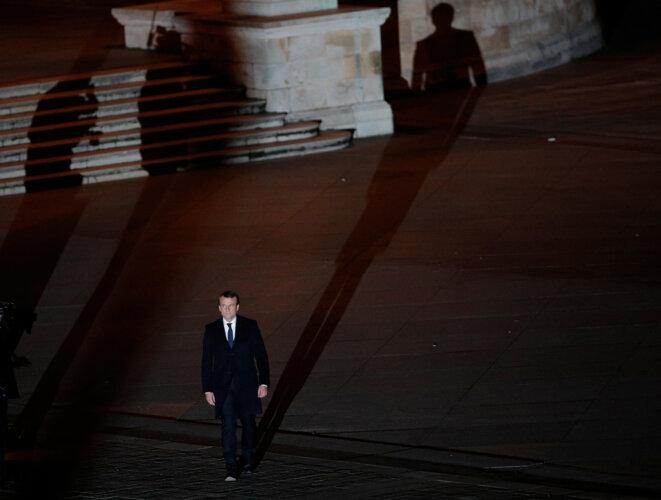Dans la cour du Louvre, au soir du 7 mai 2017. © Reuters