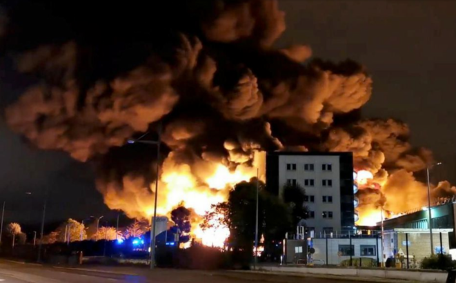 The fire at the Lubrizol chemical plant at Rouen, northern France, September 26th 2019. © Reuters