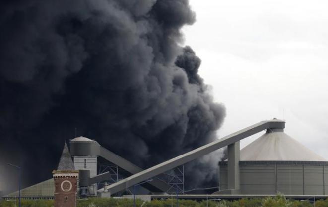 Incendie de l'usine Lubrizol, le 26 septembre. © Reuters
