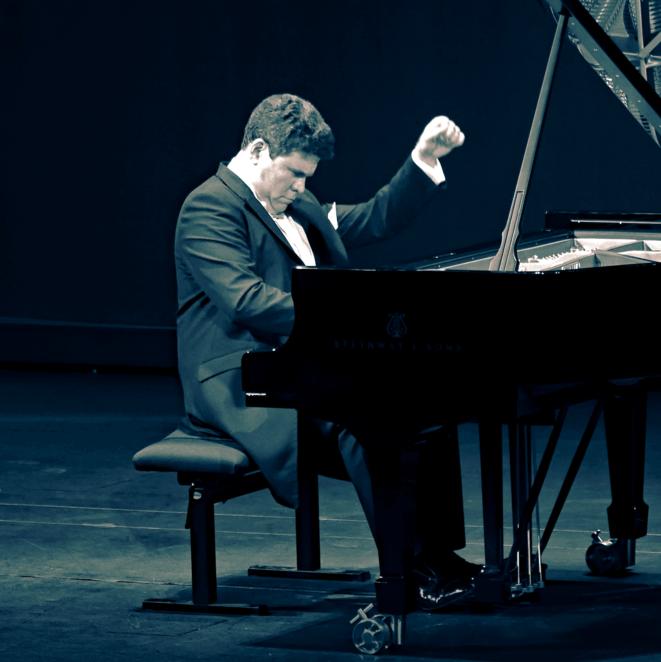 Denis Matsuev au Théâtre des Champs-Elysées, photo Jacques Chuilon © Jacques Chuilon