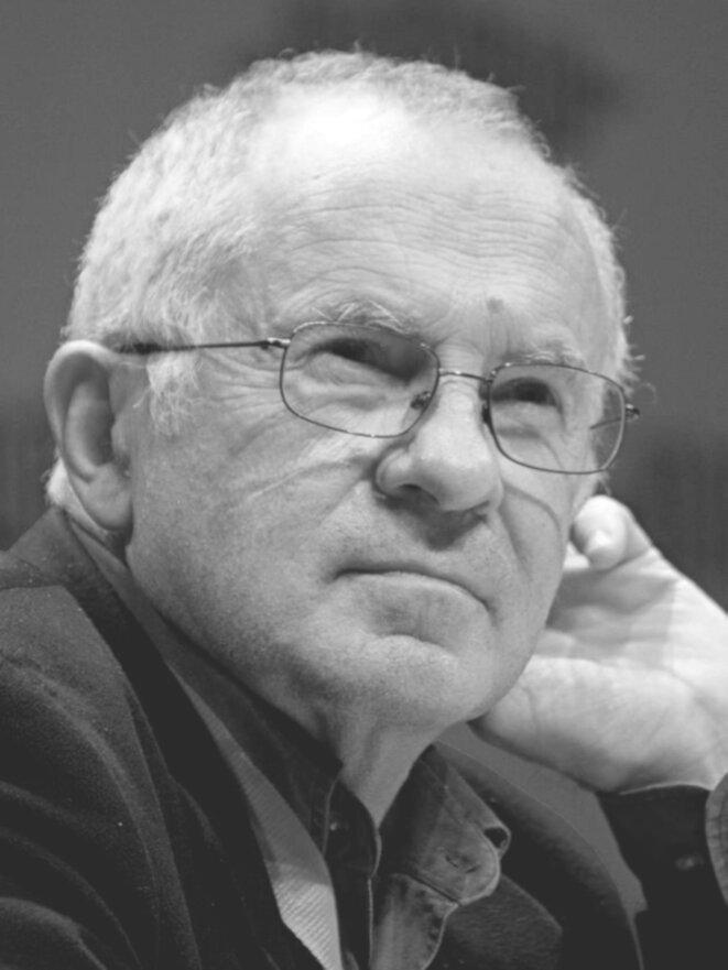 Le sociologue François Dubet (Forum Libération de Grenoble, 2012). © Source: Matthieu Riegler/Wikimedia Commons, lic. CC-BY-Unported. Recadrage et traitement N&B par LBz.