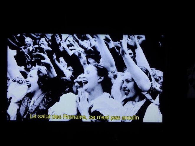 """Illustration dans le clip de la chanson """"ce geste"""""""