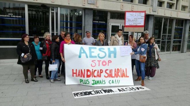 Le 7 octobre, le député communiste Sébastien Jumela a rencontré les AESH du secteur de Dieppe et les représentants de la CGT Educ'Action et du SNUipp. © Page Facebook de Sébastien Jumel