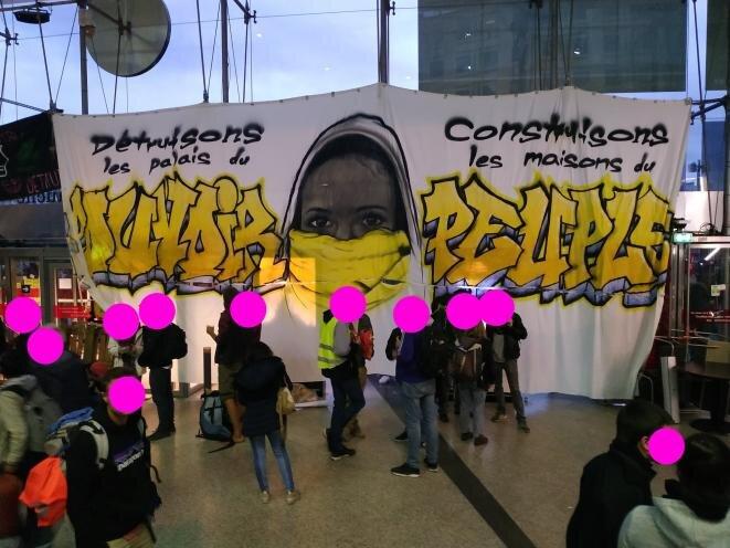 Paris, le 5 octobre 2019, GJ, BB et écolos occupent ensemble le centre commercial Italie 2 © désobéisance-écolo-paris