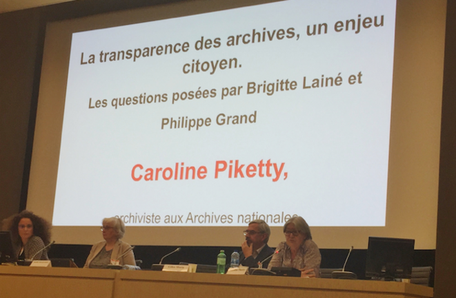 De gauche à droite, Céline Guyon, présidente de l'Association des archivistes français, Isabelle Neuschwander, ancienne directrice des Archives nationales, Gilles Morin, président de l'Association des usagers des Archives nationales, et Caroline Piketty, archiviste aux Archives nationales.