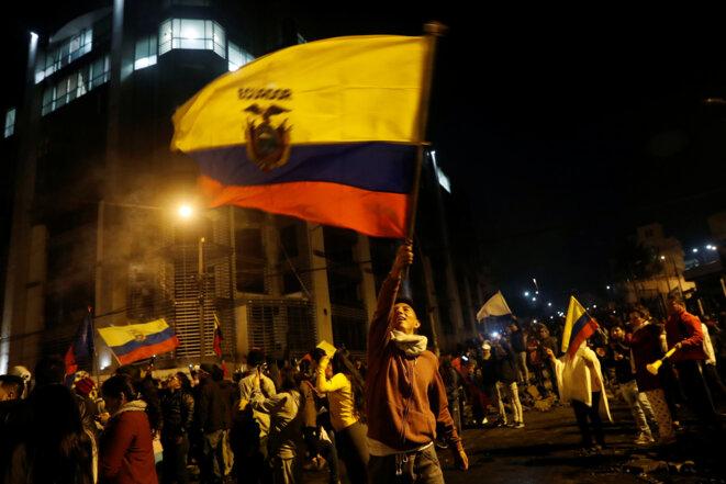 Manifestation de liesse à Quito après le retrait du décret 883. © Reuters