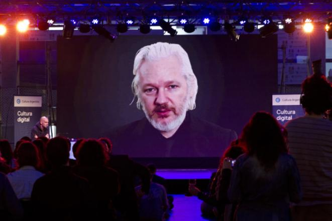 Julian Assange. Photo by Ministerio de Cultura de la Nación Argentina (culturaargentina) on Flickr.