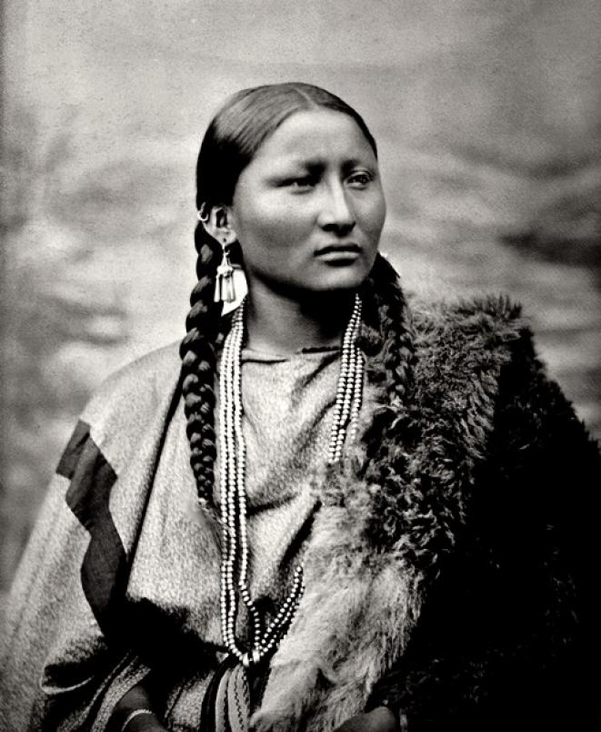indienne-amerique-femme-cheyenne-pohotographie-en-1878-a-fort-keogh-0f4a1