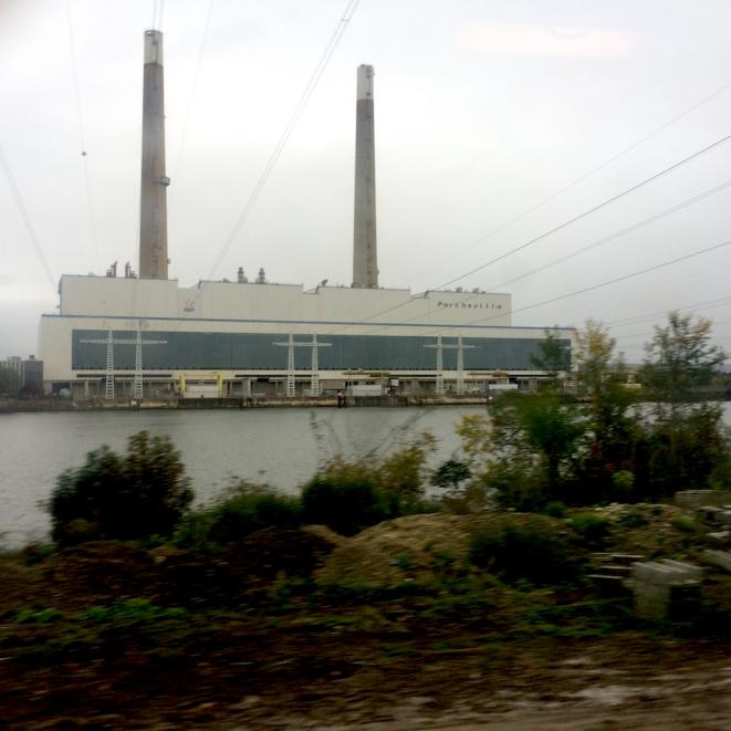 La centrale électrique au fioul de Porcheville, dans la vallée de la Seine, a cessé toute activité en mai 2017. © LF