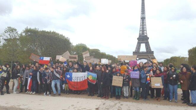 Manifestación en solidaridad con la rebelion contra el regime Piñera © inconnu