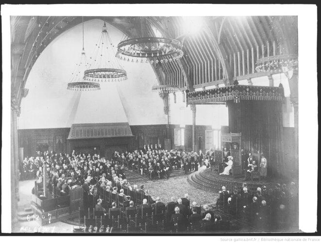 Ouverture du parlement hollandais. Photographie de presse. Paris, Agence Rol, 1920. Source: www.gallica.bnf.fr