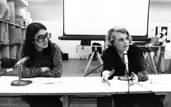 Chantal Pontbriand et Annette Michelson (1977) © Pierre Boogaerts