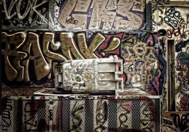 Sepia despair III © Luna TMG