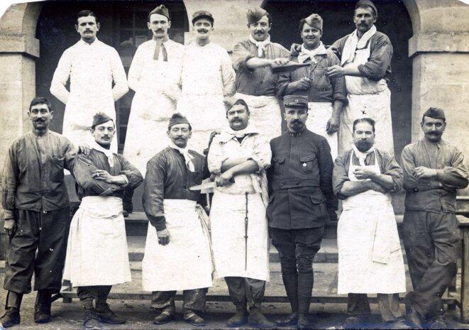 Jeunes hommes lors de leur service militaire (vers 1900)