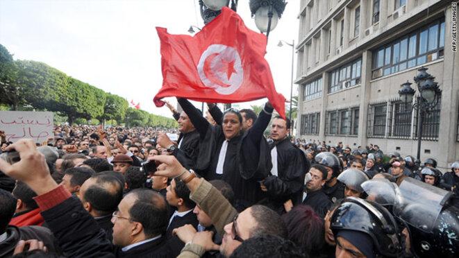 Tunisie : Les manifestations alimentées par WikiLeaks ont déclenché le printemps arabe.