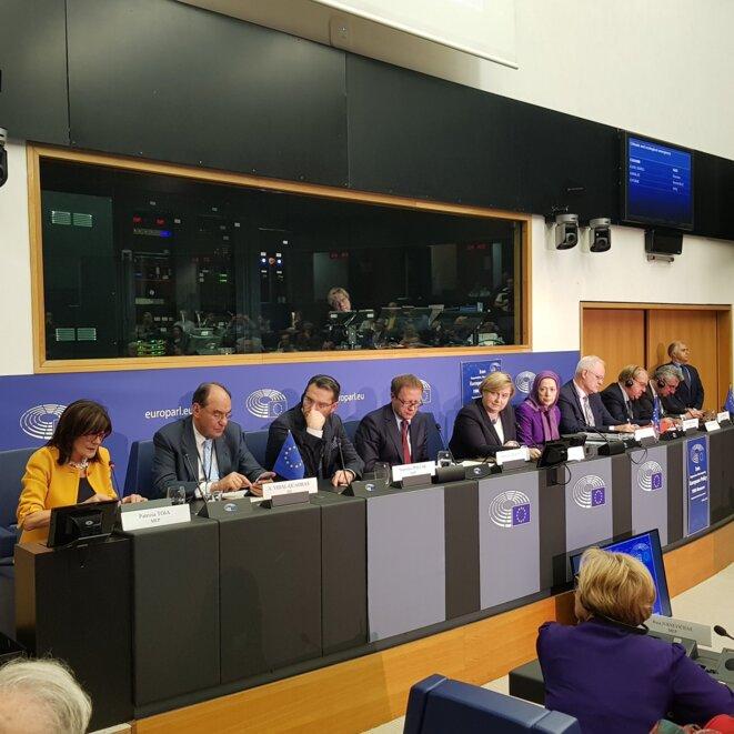 Panel de la conférence au Parlement européen le 23 octobre 2019  sur la présentation d'un livre sur le massacre de l'été 1988 en Iran