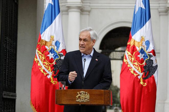 """Piñera cede a la presión tras la """"marcha más grande de la historia"""" y pide la renuncia a todos sus ministros © Agencia Uno"""